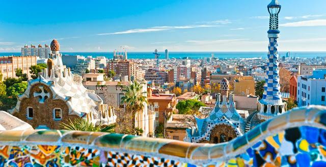 Vue des toits des appartements à Barcelone