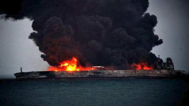 Δεκάδες ναυτικοί αγνοούνται μετά από σύγκρουση πλοίων στην Κίνα