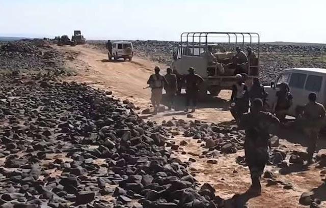 وحدات الجيش تتابع عملياتها وتحقق في الجروف الصخرية بتلول الصفا ببادية السويداء