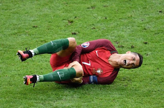 Christiano Ronaldo out with knee injury