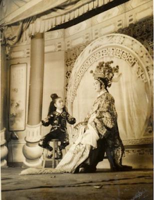 早期的野臺戲是庶民生活的重要娛樂。