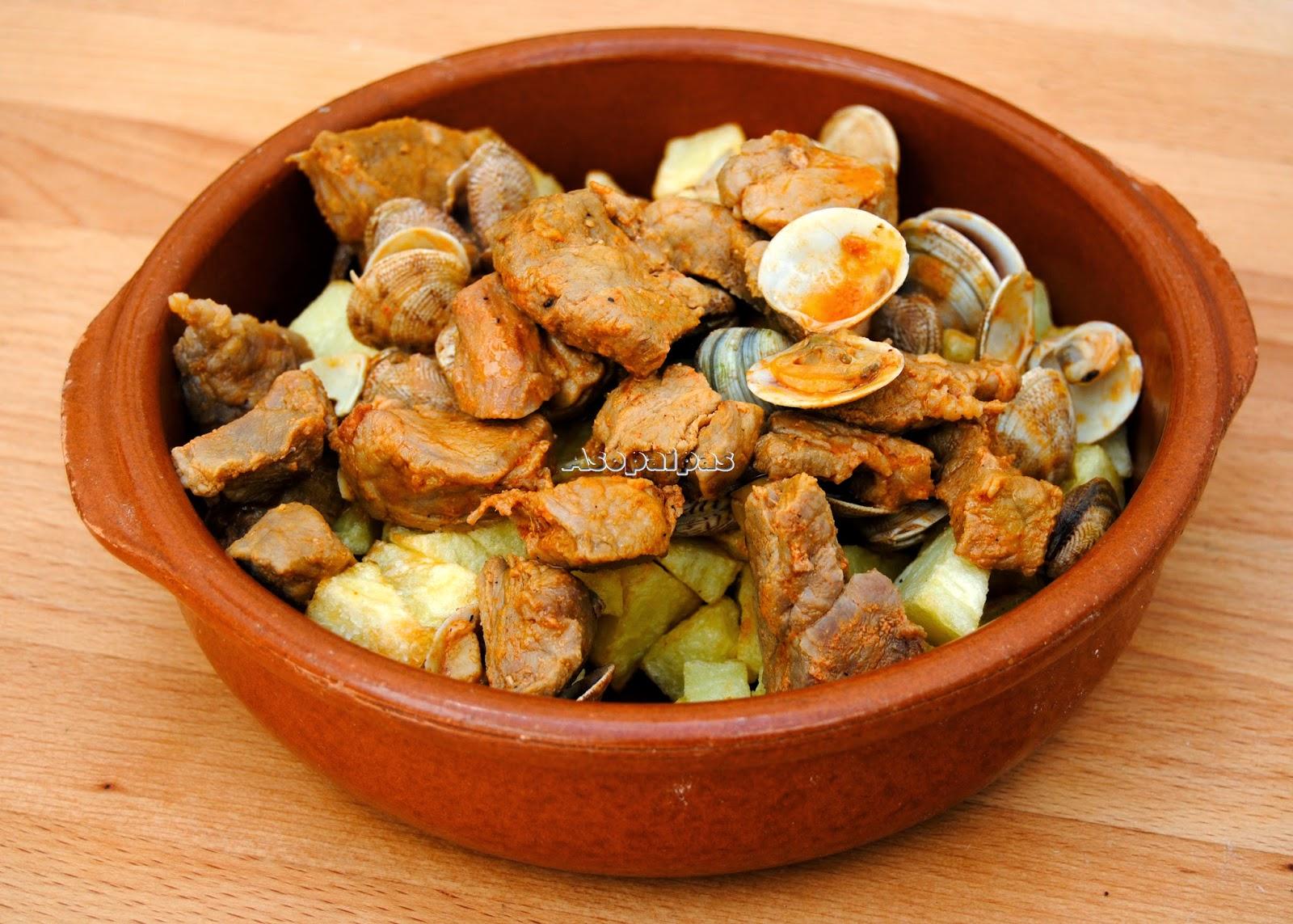 Carne de Cerdo con Almejas (Carne de porco à alentejana)