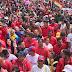 Movilización en apoyo a Maduro llega a Miraflores