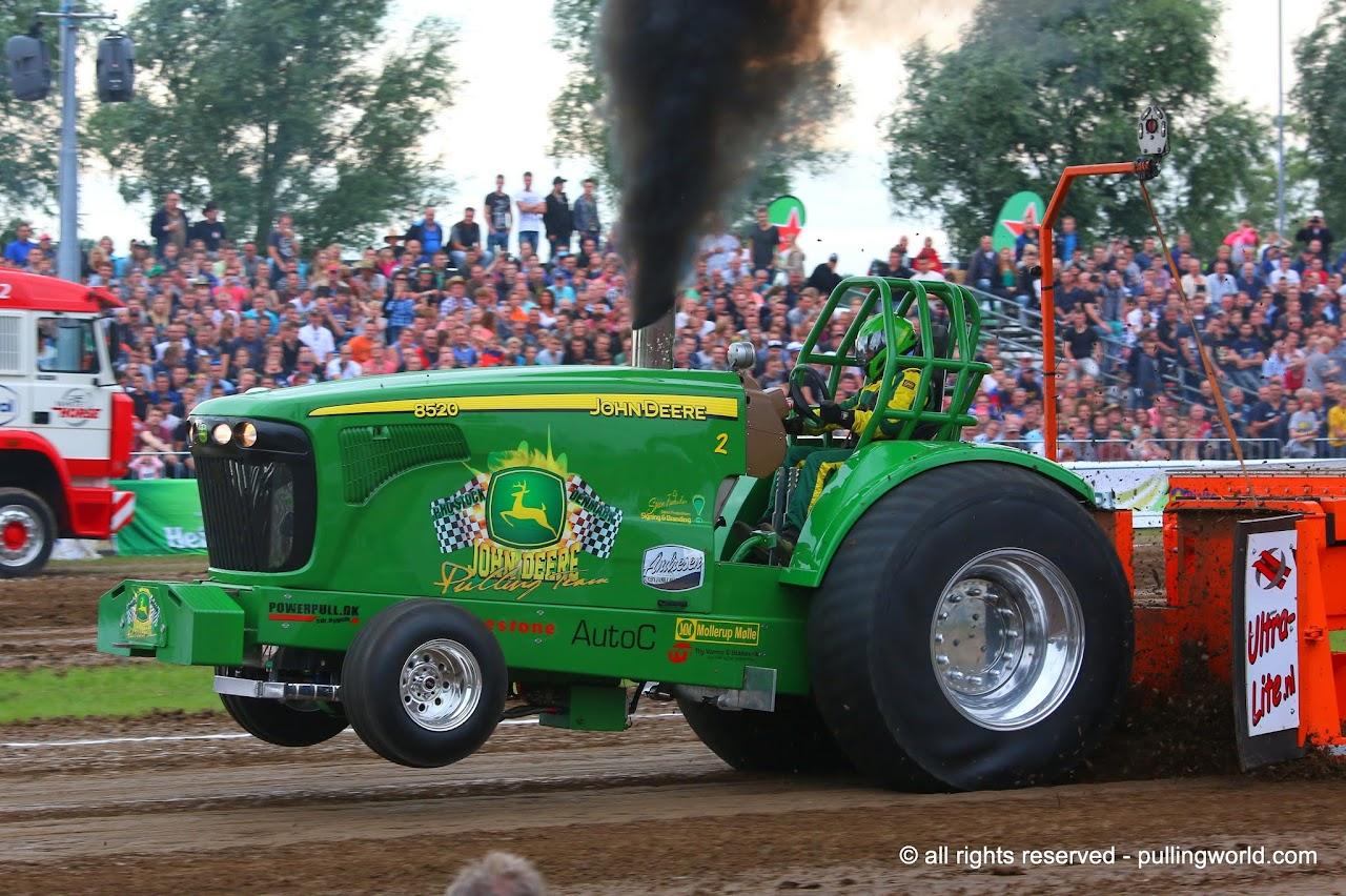 Pro Stock Pulling Tractors : Tractor pulling news pullingworld danish champions