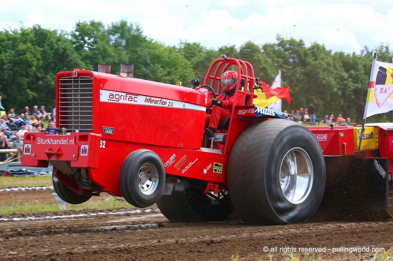 John Deere Super Stock Pulling Tractors : Tractor pulling news pullingworld euro cup