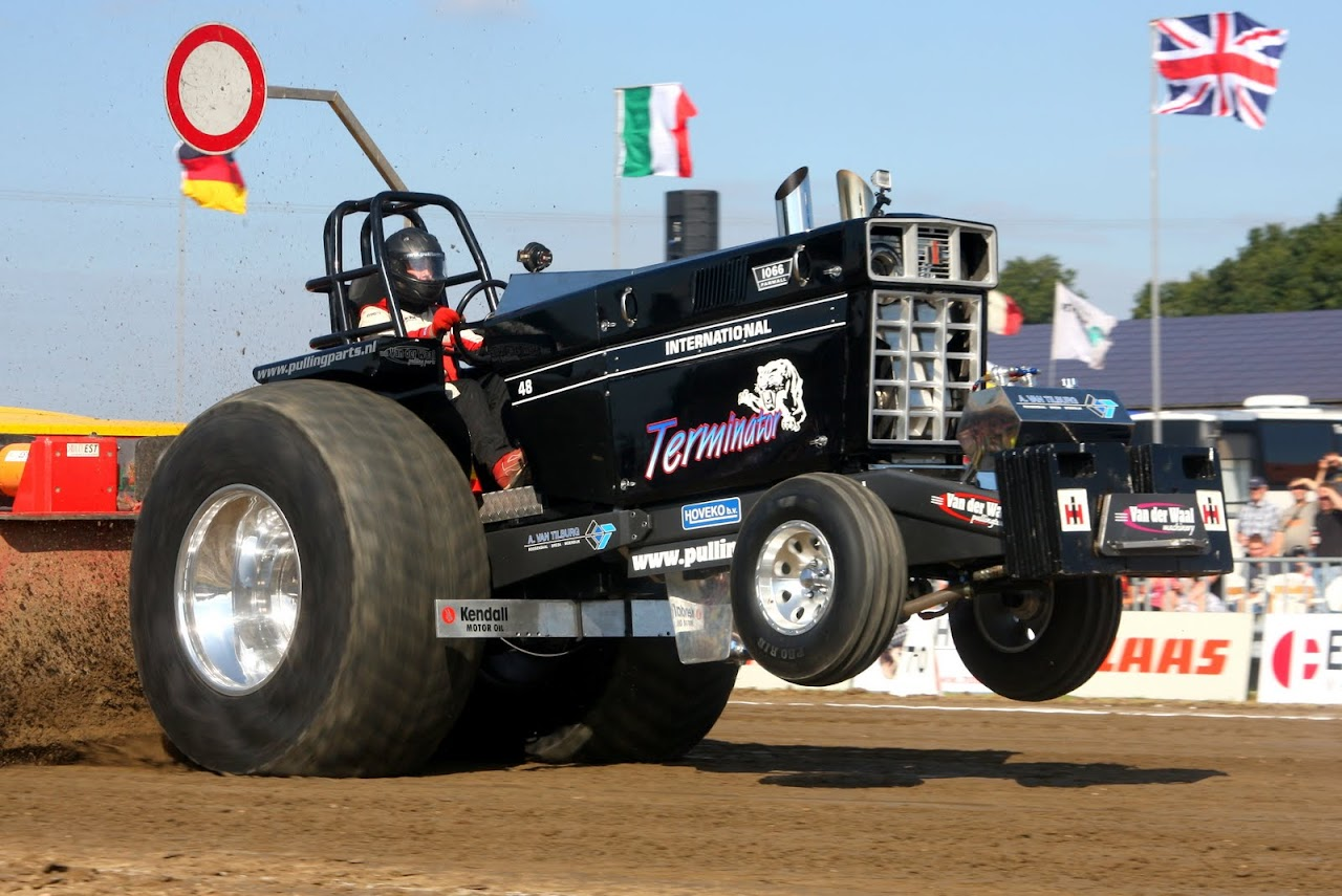 Tractor Pulling News - Pullingworld.com: Terminator sold !