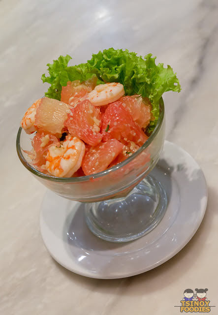 thai shrimps and pomelo