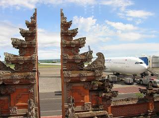 Aeropuerto Denpasar, isla bali, vuelta al mundo, round the world, información viajes, consejos, fotos, guía, diario, excursiones