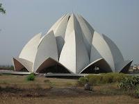lotus temple, nueva delhi, india, vuelta al mundo, round the world, información viajes, consejos, fotos, guía, diario, excursiones