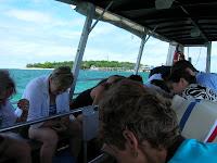 Barco casco de cristal, gran barrera corales, Cairns, Australia, vuelta al mundo, round the world, La vuelta al mundo de Asun y Ricardo