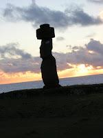 plataforma ahu tahari,isla de Pascua, easter island, chile,vuelta al mundo, round the world, información viajes, consejos, fotos, guía, diario, excursiones