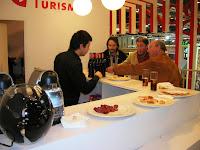Pabellón de Aragón, bar fitur, vuelta al mundo, round the world, La vuelta al mundo de Asun y Ricardo, mundoporlibre.com
