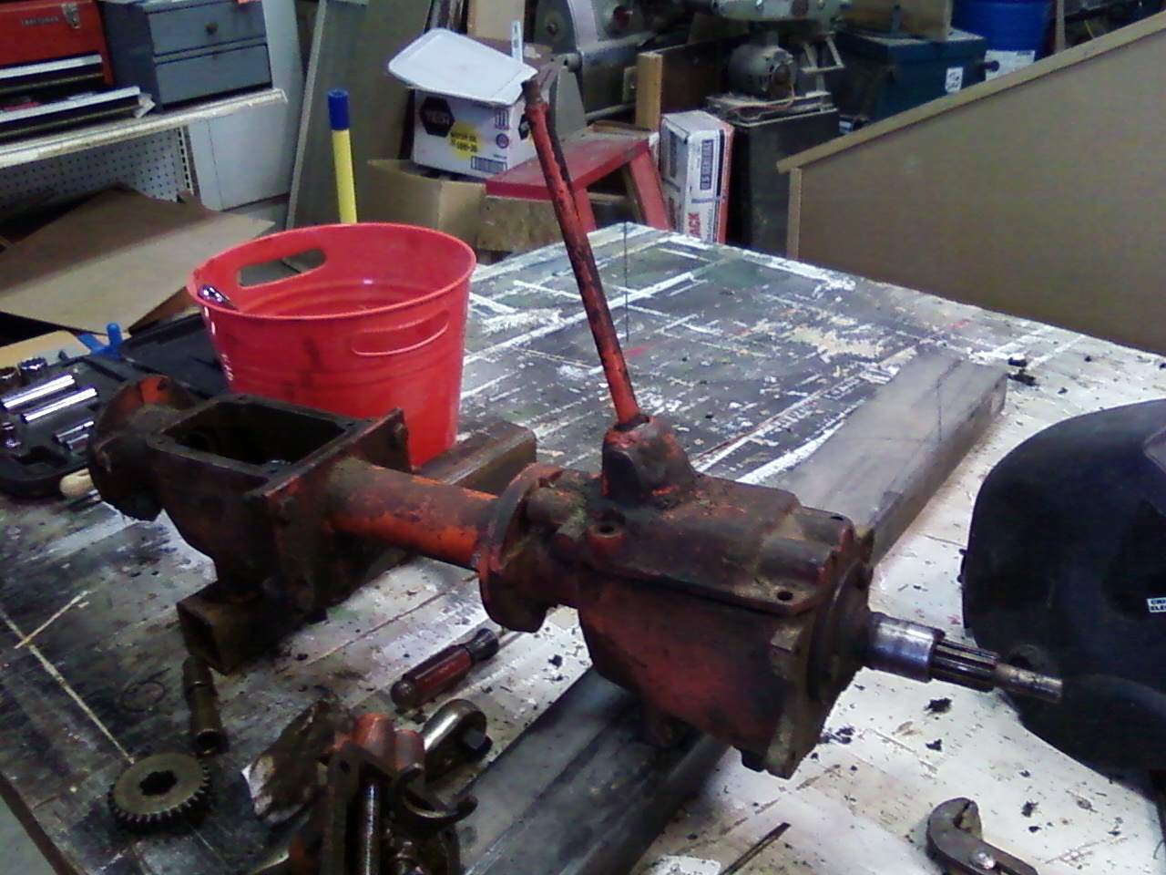 Power King Economy Tractor Restoration: Fixing Jammed Transmission Shifting  Handle