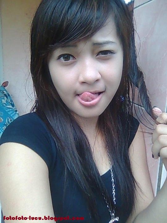 Image Result For Cewe Montok Sedang Narsis