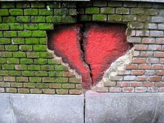 corazon en la pared