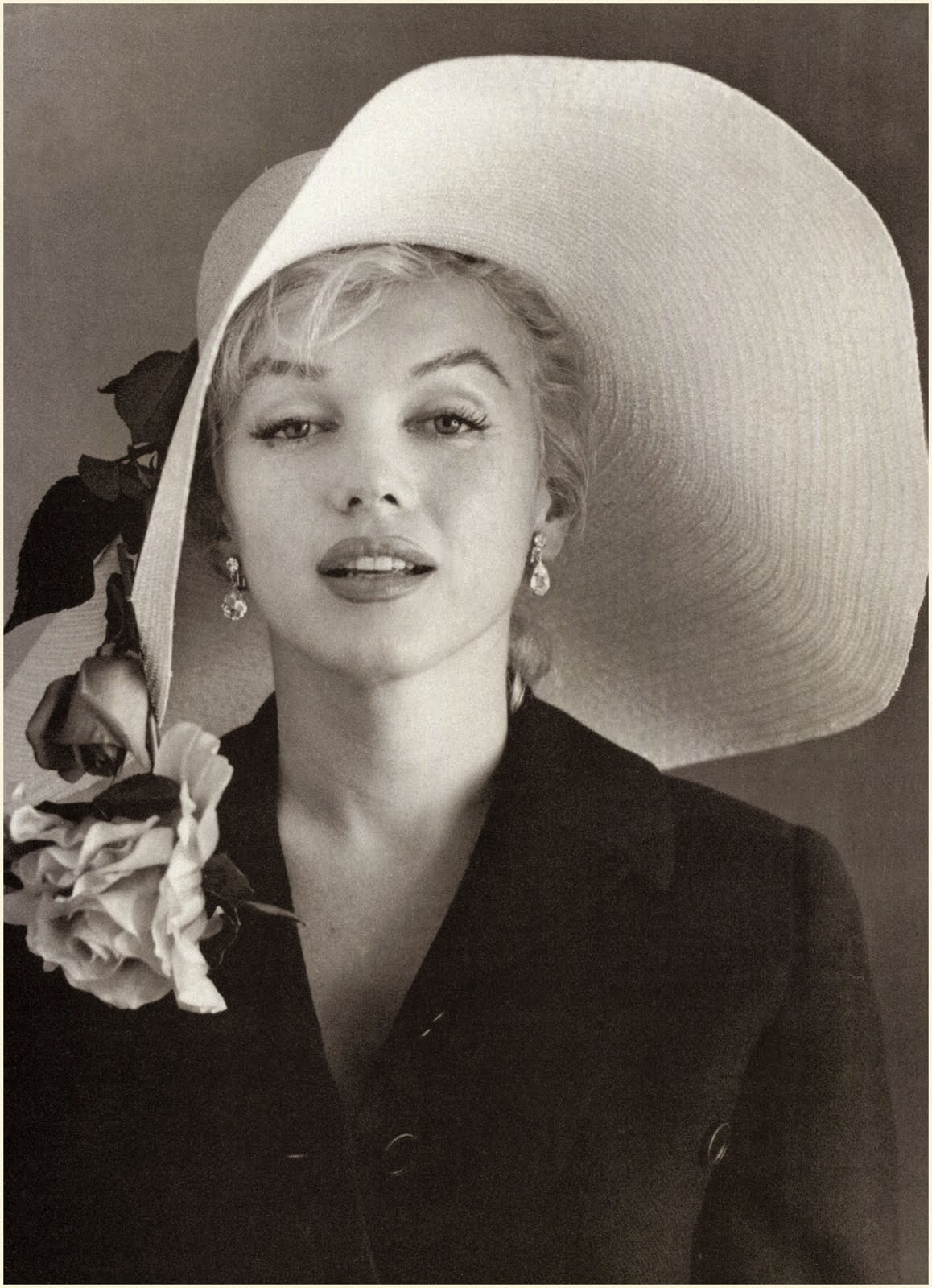 Marilyn Monroe Living Room Decor: The Pictorial Arts: The Marilyn Mystery