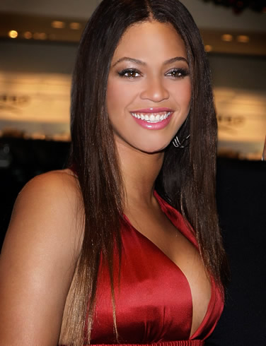 Brighton Beach Beyonce Hot Singer Wallpapers