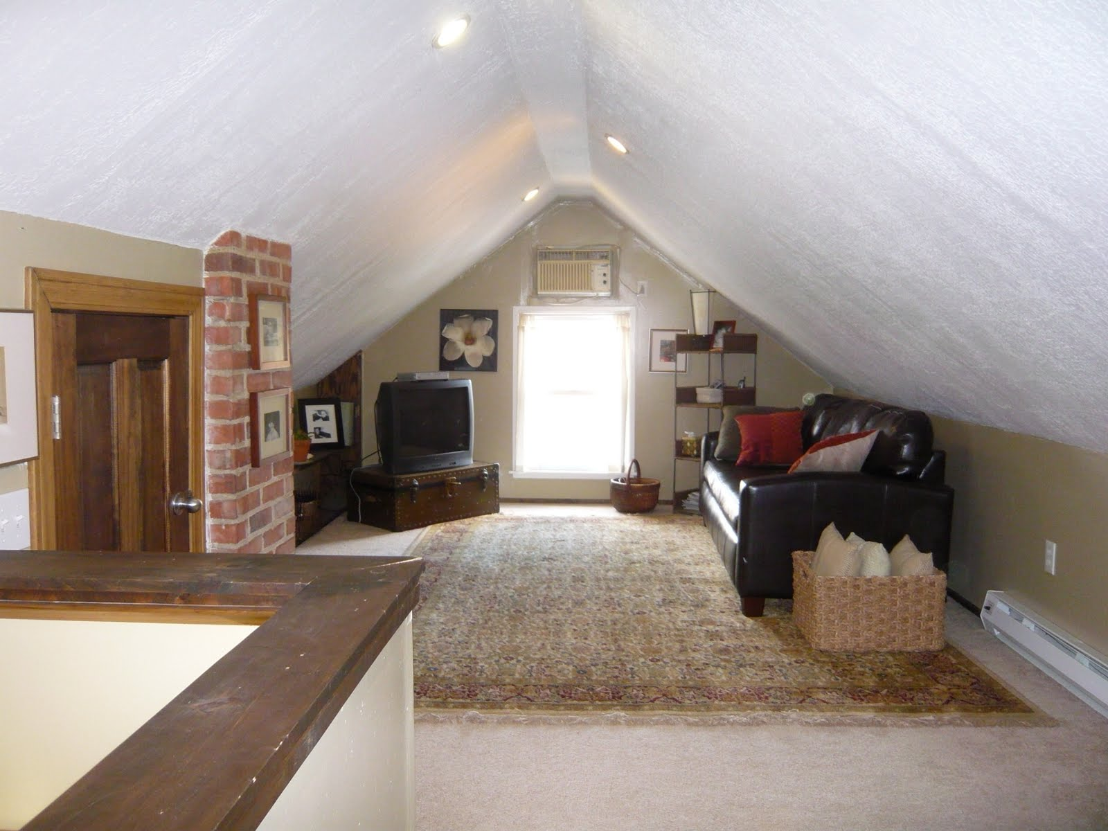 slanted attic bedroom ideas - 1052 Rushleigh Rd Finished attic 4th room with storage