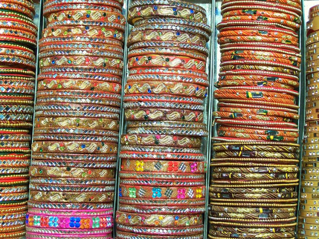 Bangles, India, Indian Bangles, Sparkly Bangles, Indian market, Indian Jewellery, Costume Jewllery, Haridwar