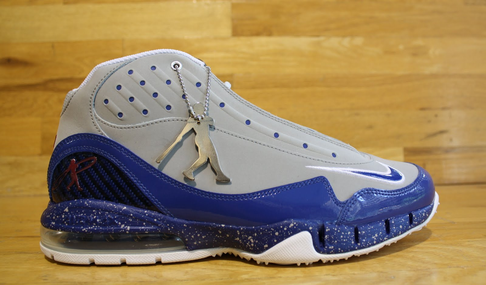 reputable site a0ea6 03a52 Nike  Jackie Robinson  Air Max Griffey Swingman In Dr Jay Stores