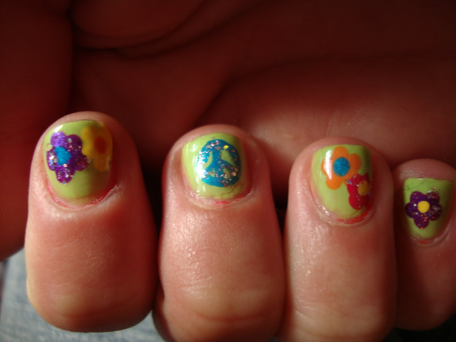 obsessed: Kirsty's Flower Power Hippie Nails