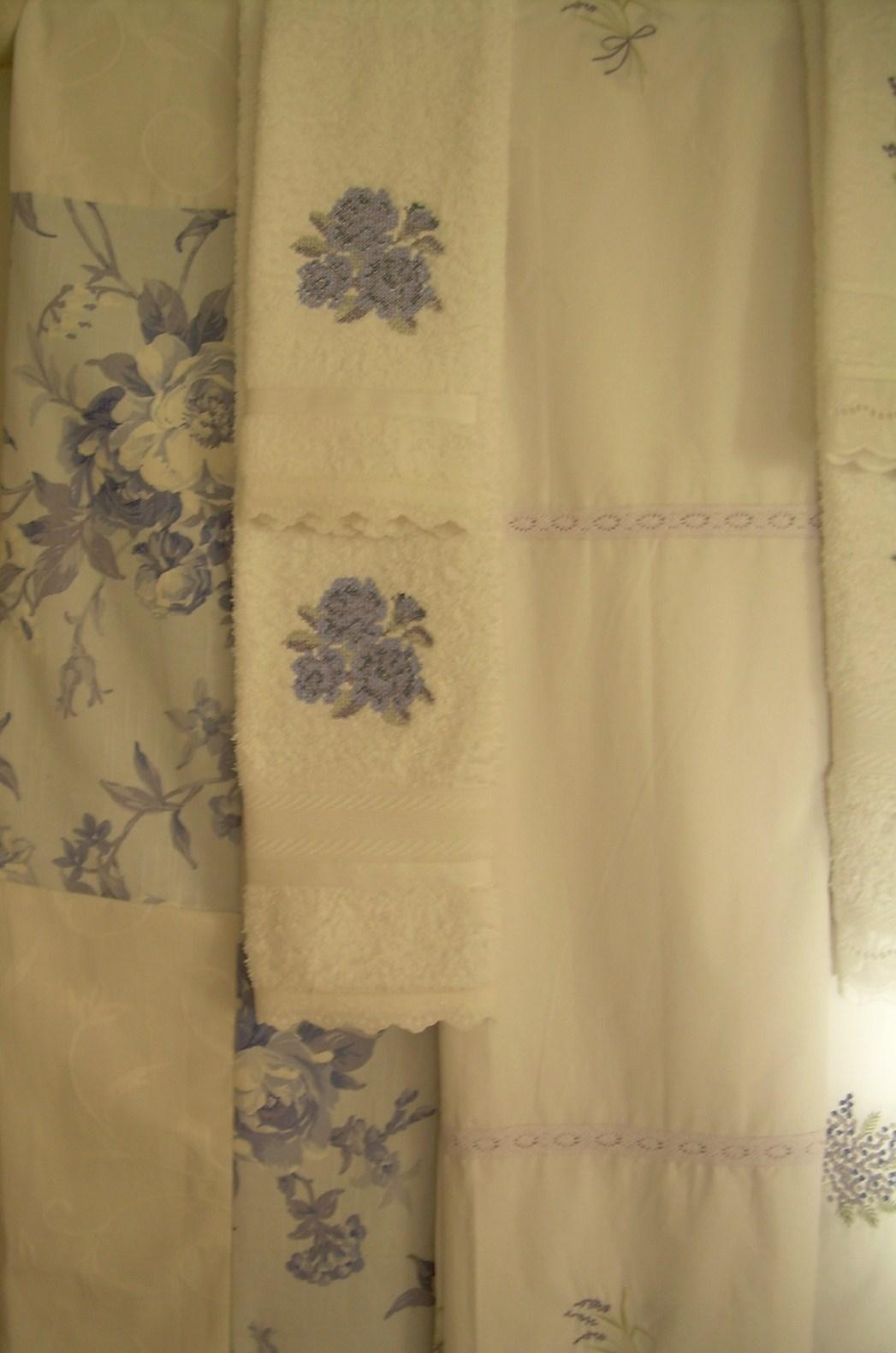 Paz montealegre decoraci n accesorios y toallas para el for Cortinas y accesorios de bano