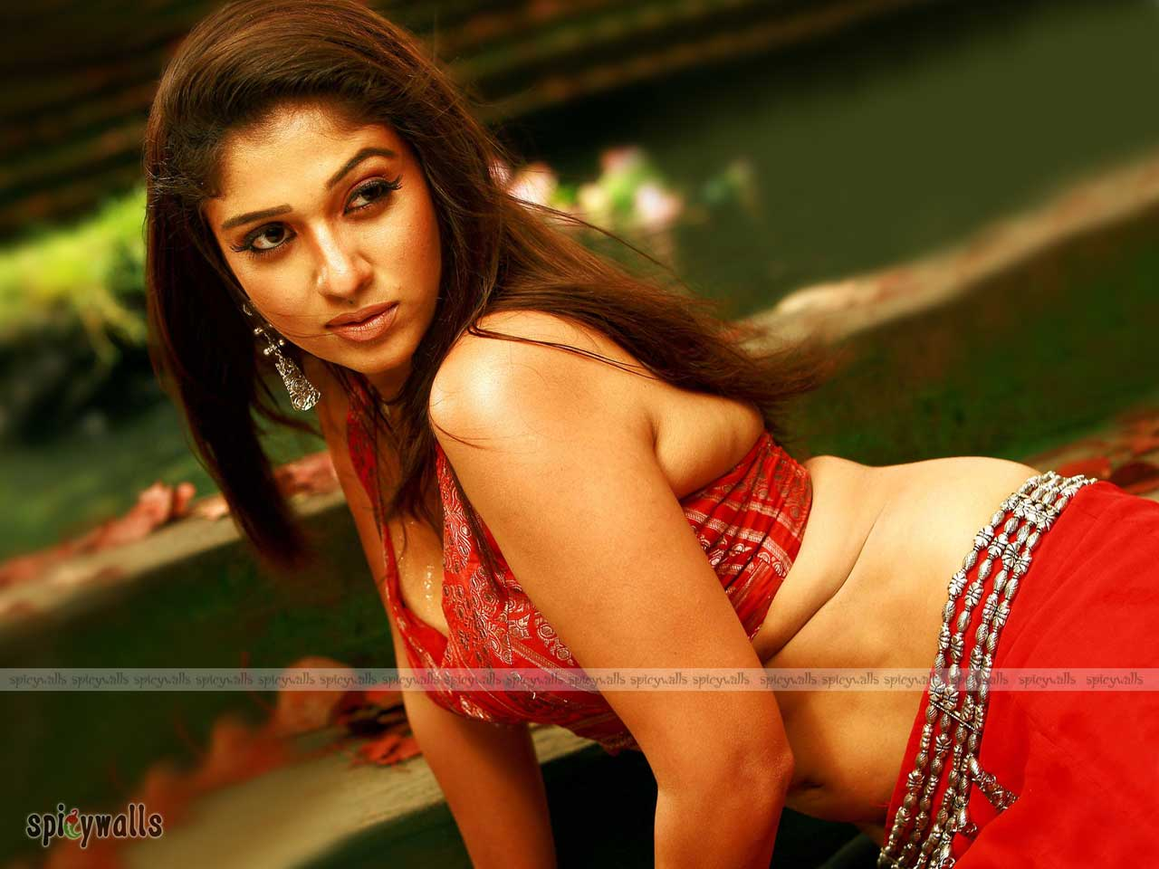 nayantara hot wallpaper