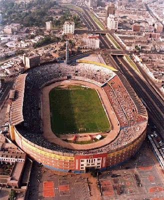 Leyendas y relatos de f tbol los fantasmas del estadio for Puerta 9 del estadio nacional de lima