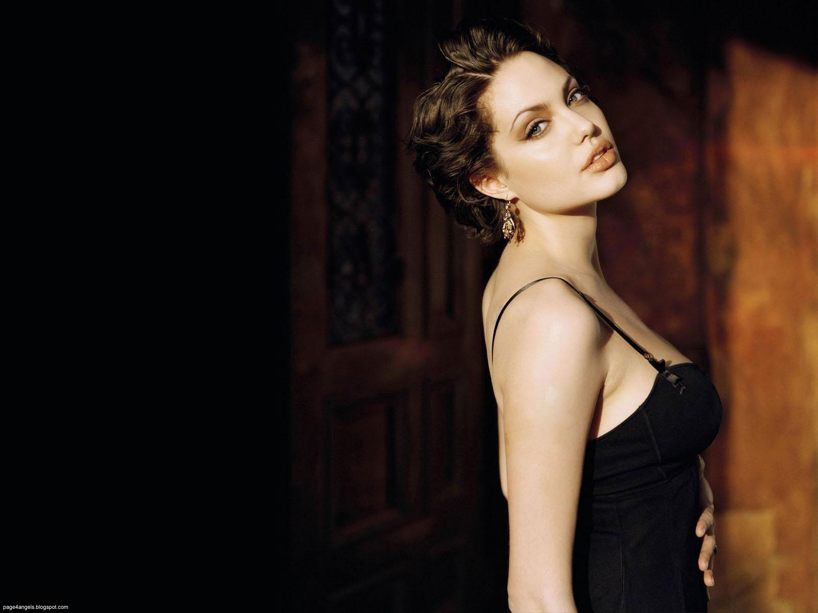 Angelina Jolie Hollywood HOT Actress Wallpapers