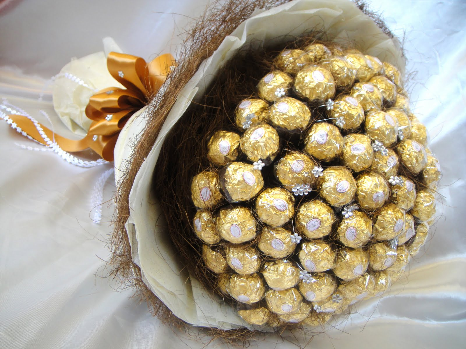 Ferrero Rocher Bouquet With Roses