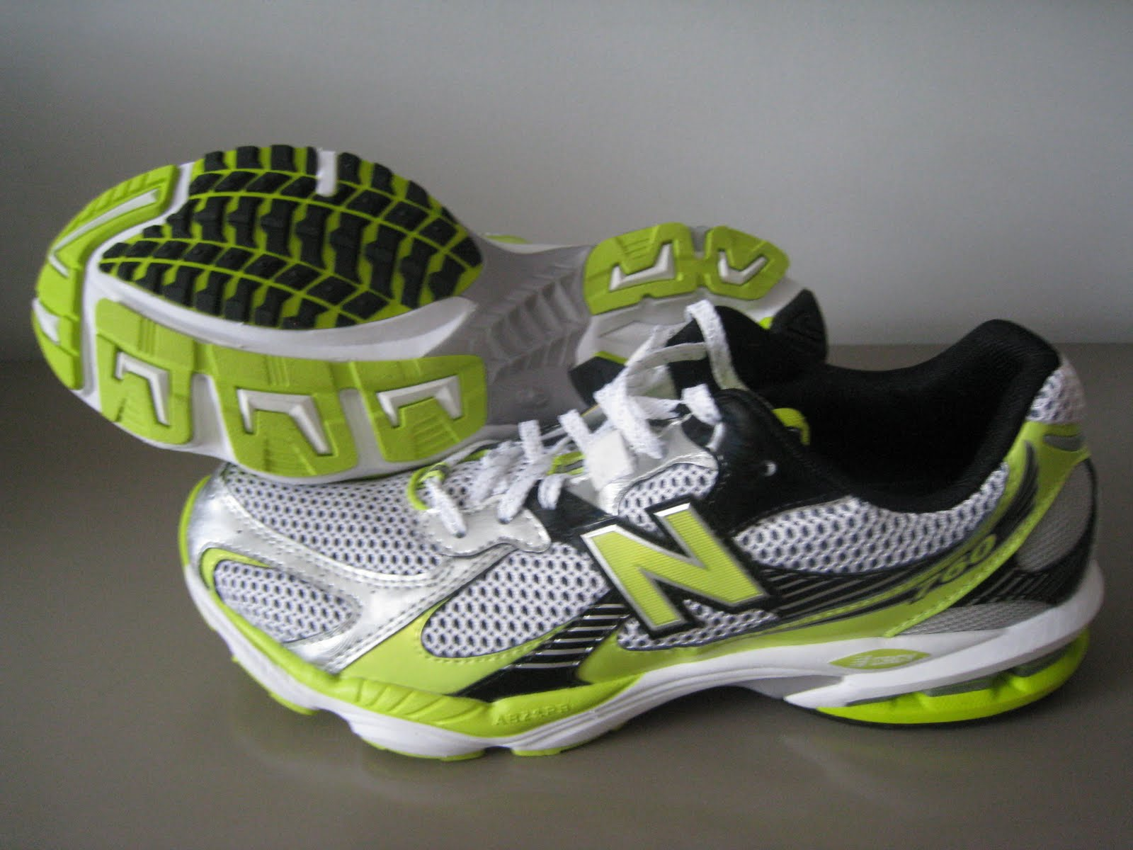 c05ac312a6bf Last weekend, however, I finally gave in and got my first pair of NBs - the New  Balance 760.
