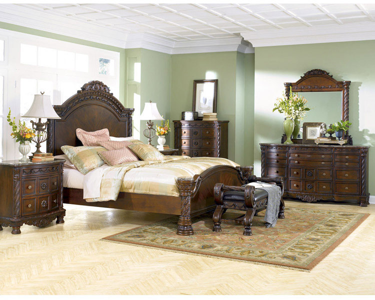 Bedroom Furniture Discounts: ASHLEY NORTH SHORE 6 Piece