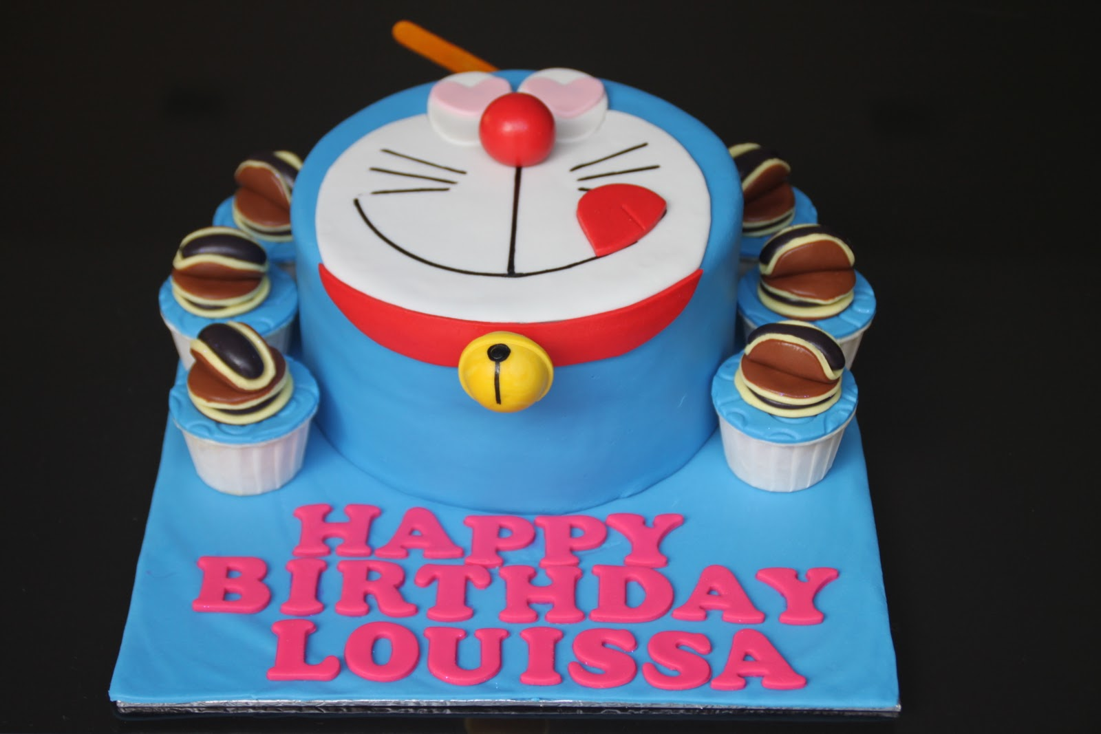 Doraemon Cake with Cup...