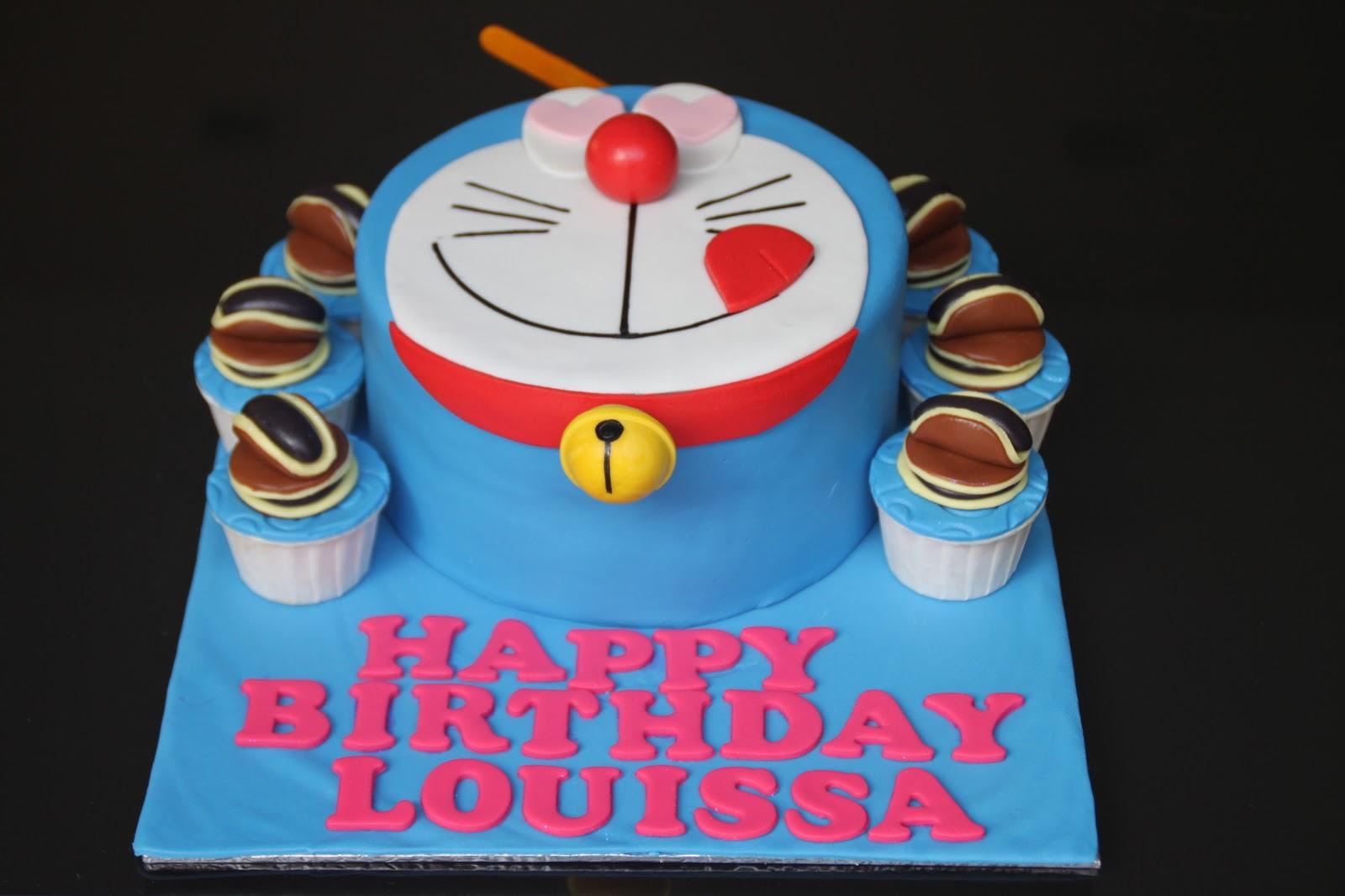Doraemon Cake With Cupcakes