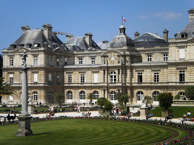 Alia In Paris Jardin Du Luxembourg