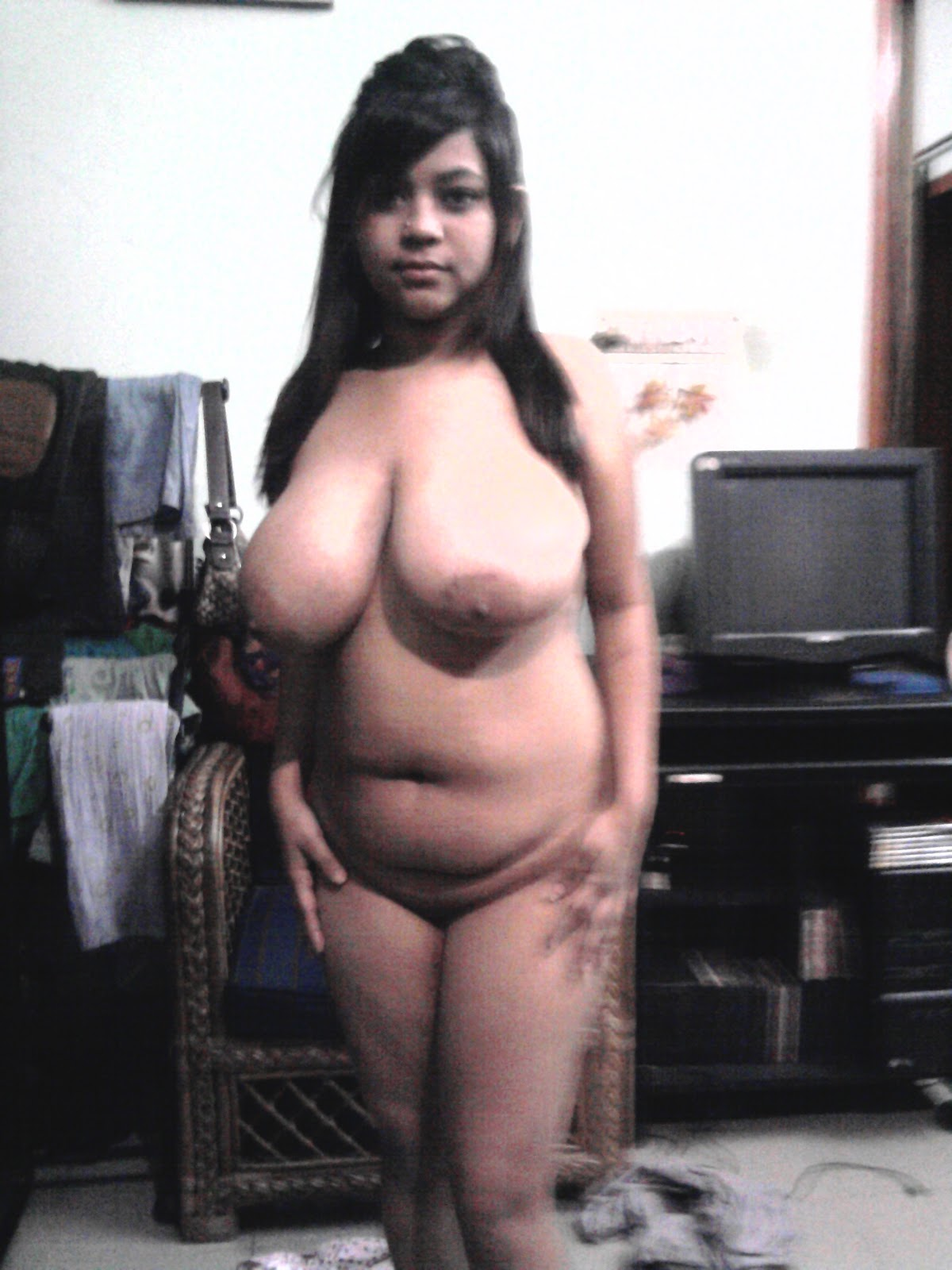 Sexy indian nude milf
