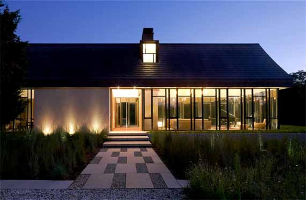 Modern Farmhouse Design by Bates Masi Architect