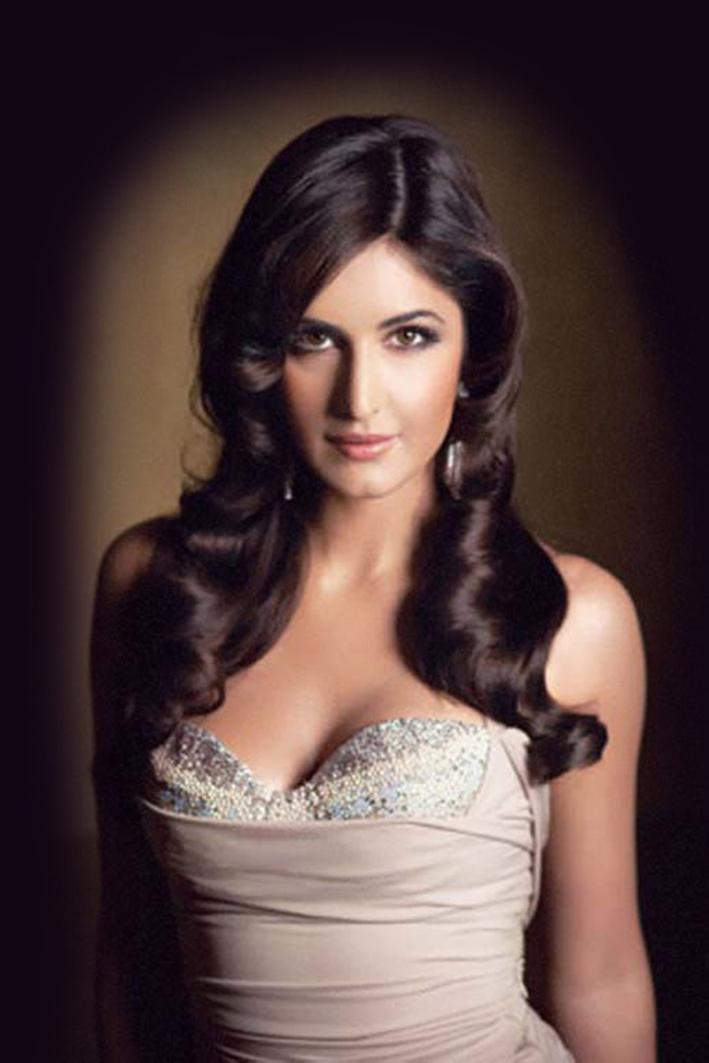 New Car Photo Katrina Kaif New Hot Wallpapers-8816