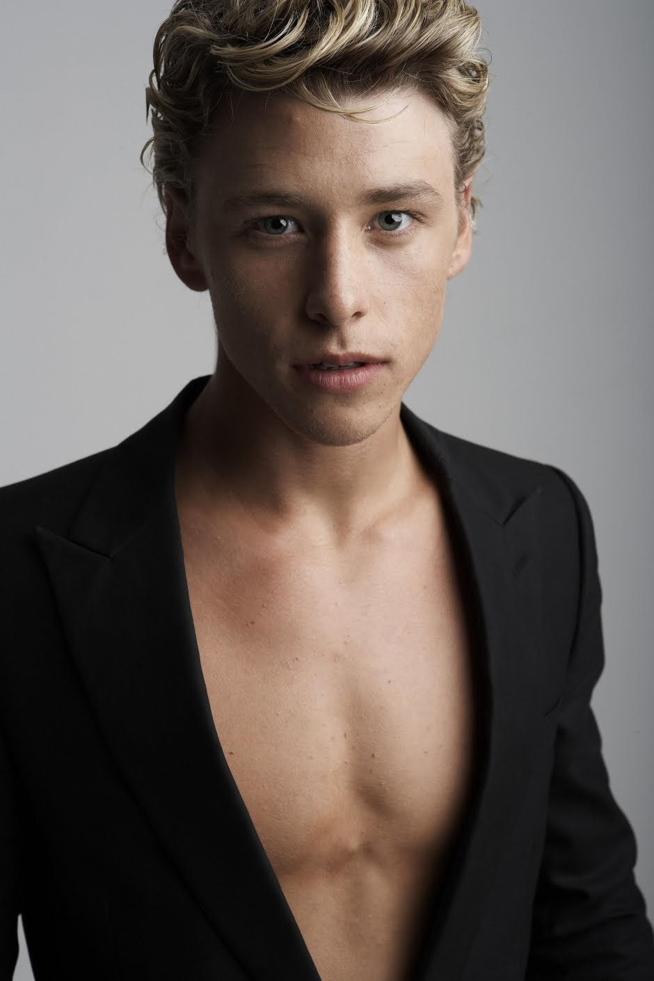 Mitch Hewer (born 1989) nudes (76 photos) Sideboobs, Twitter, swimsuit