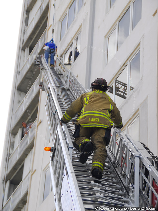 Fort Lauderdale Fireman climbs to rescue a fallen worker