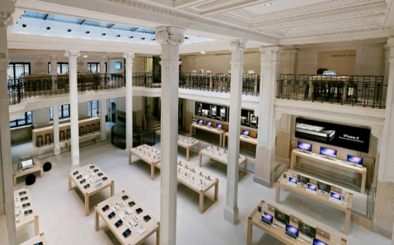 NewsGallery  APPLE STORES SPREAD THEIR 2ND WINGS AROUND THE WORLD The number two Parisian Apple store  second from the one at the Louvre   also covets the ubiquitous apple skylight