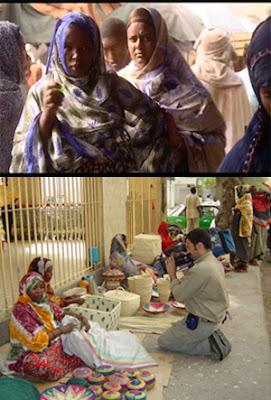 mujeres en Djibouti y Víctor Tejedor grabando