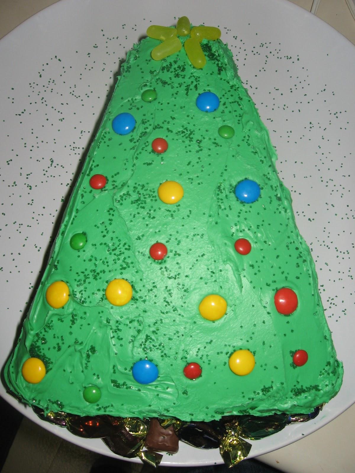 Purposeful Homemaking Christmas Tree Cake