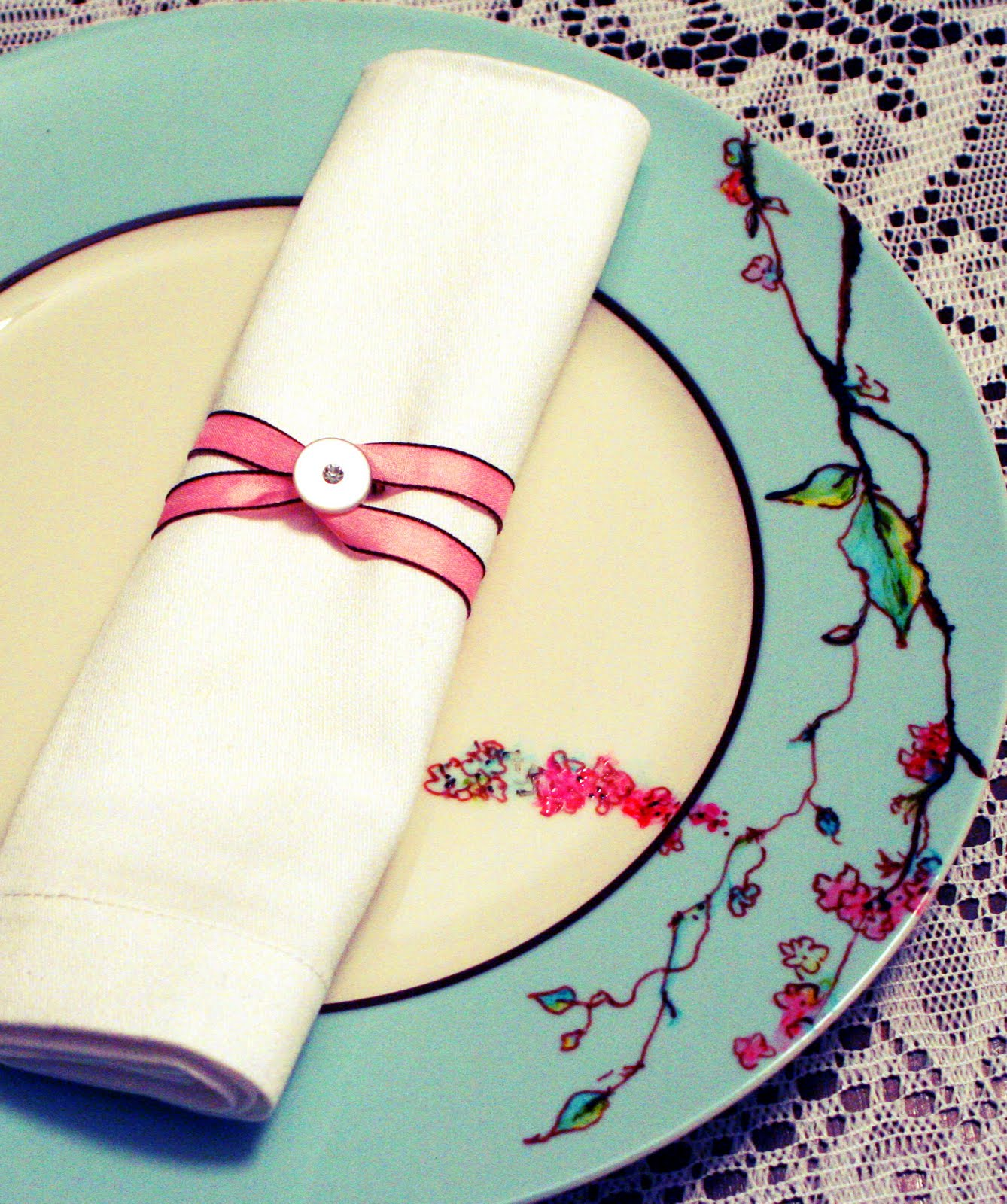 Dirt Cheap Home Decor: Dirt Cheap Decor!: Button Napkin Ring