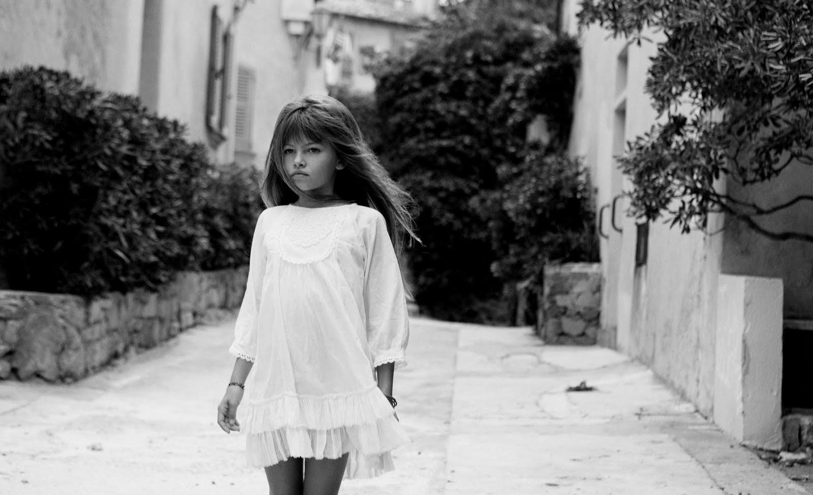 Фото эротика маленькая модель, Девочка созрела? Самые скандальные фотосессии юных 9 фотография