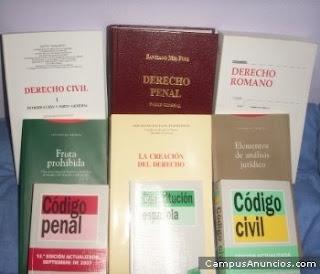 Colección de libros de Derecho