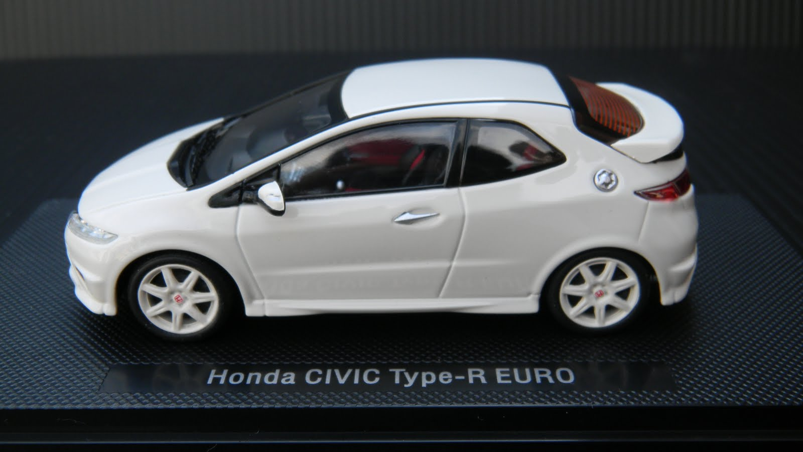 ebbro honda civic type-r euro (fn2)