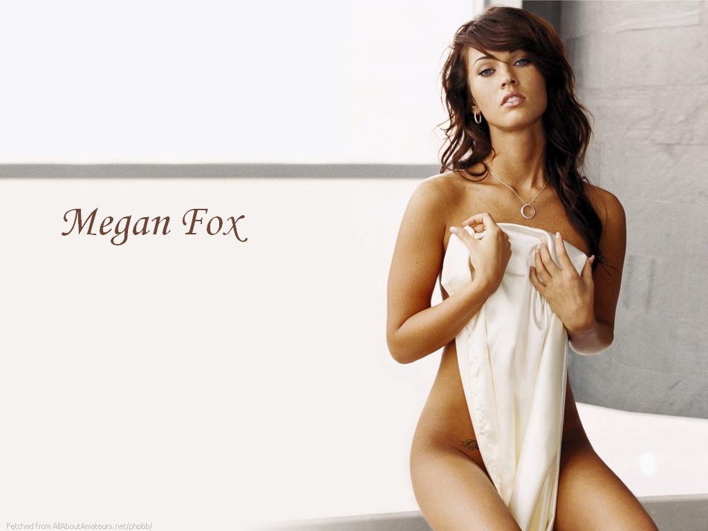 Alyssa milano amp victoria beckham nude 8