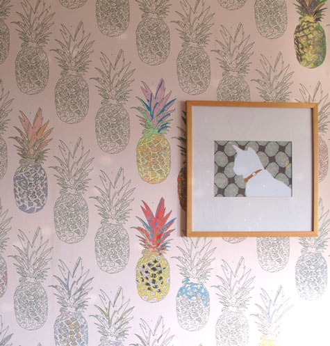 How Perfectly Fun Is This Wallpaper Spotted On Design Sponge Upon First Glance I Was Loving The Fact That Owner Of Home Used Pinele