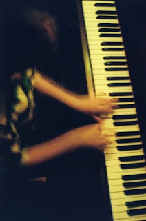 klavier spielen.